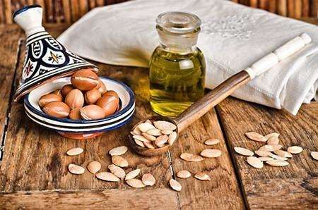 Arganovoe-maslo-dlja-volos-recepty