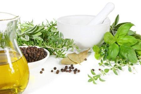 Travy-dlja-suhih-volos-recepty